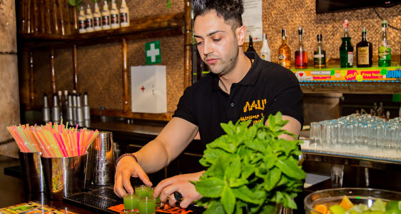 Maui Bar - Lloret de Mar - Barkeeper